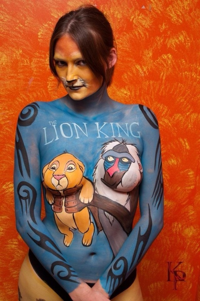 Lion king bodypainting